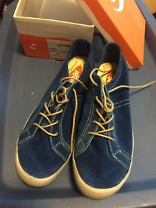 Women's blue suede Softinos sneakers size 41 - NIB