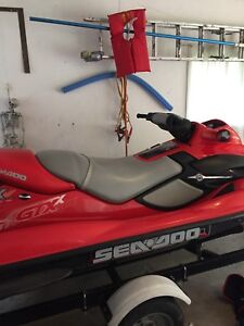 2001 Gtx Sea Doo. Comes with trailer and cover!