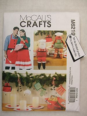 Christmas Decorations Aprons Mitt Sewing Pattern M6219 See Full Listing Info