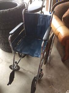 Tracer by Invacare 1000 series collapsible wheelchair