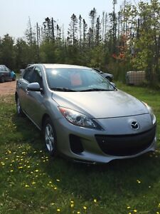 REDUCED Very clean and sporty Mazda 3