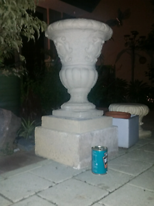 Concrete urn and stand Coolbellup Cockburn Area Preview