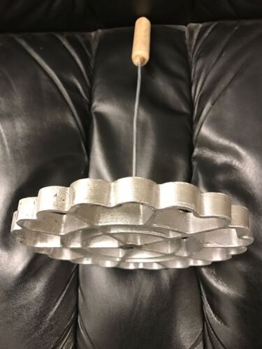 """Mexican Cast Aluminum Bunuelera Wood Handle mode para hacer bunuelos 7.5"""" Mexico"""