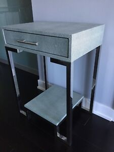 Contemporary/modern Night table or side table