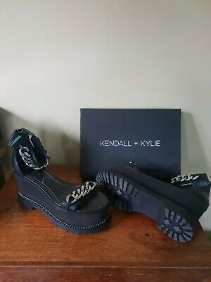 Kendall and Kylie black Platform sandal size 4.5 with chain detail