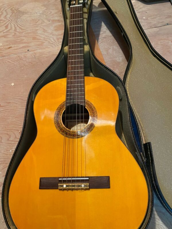 Franciscan Classical Guitar Model No. 460, Made in republic of Korea (With Case)