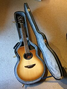 New Condition Yamaha APX700 Guitar w Hard Case
