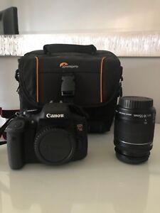 Canon EOS Rebel T6i + EFS 18-55 mm + Étui de rangement