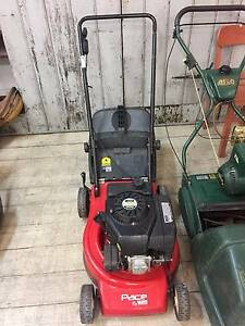 Used VICTA V40 4 Stroke Engine PACE Lawn Mower Lawnmower Not work Queenstown Port Adelaide Area Preview