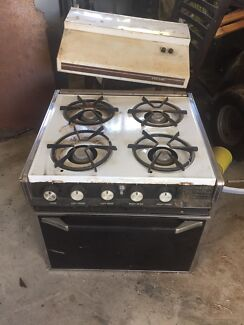 Caravan gas stove/oven and range hood Kelso Townsville Surrounds Preview