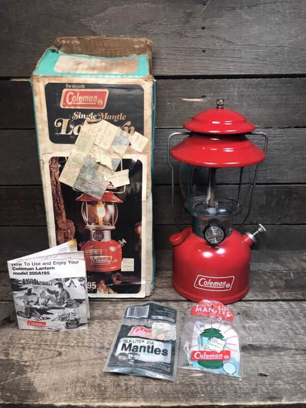 VINTAGE 1978 COLEMAN RED CAMPING LANTERN 200 A 195 WITH BOX SINGLE MANTEL