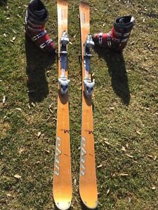 176 cm skis Élan and boots