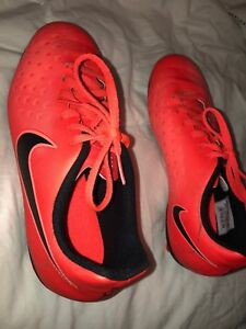 Nike jr magista soccer cleats YOUTH5.5