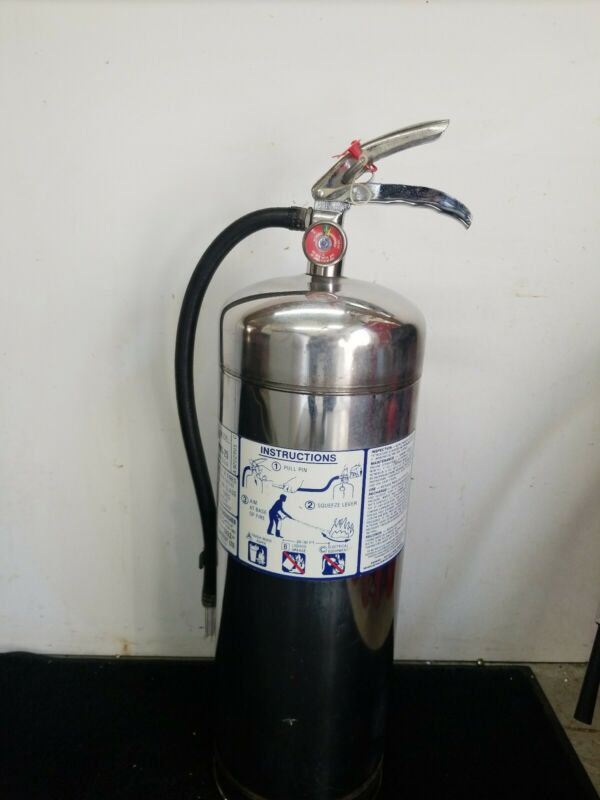 Water Fire Extinguisher, 2.5 gallon water pressure. Badger