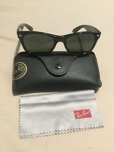 Never worn RB2132 new wayfarer ray ban sunglasses