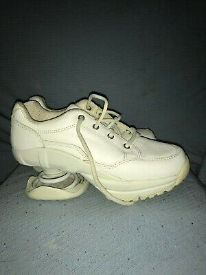 Z-Coil  White Lace Up Pain Relief Comfort Shoes/Size 6