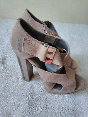 Calvin Klein Nude Suede Nichelle 6 1/2M Platform Chunky Heels Strappy 1/2 Chunky Heel Platform