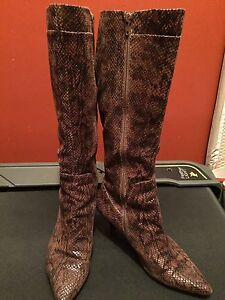 Size 8M Nine West boots