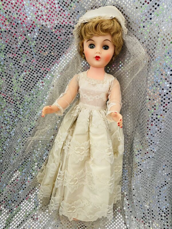 "Vintage 1960's 18"" Plastic Bride Wedding Doll Sleepy Eyes Unmarked"