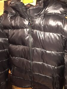 Selling my authentic men's moncler jacket