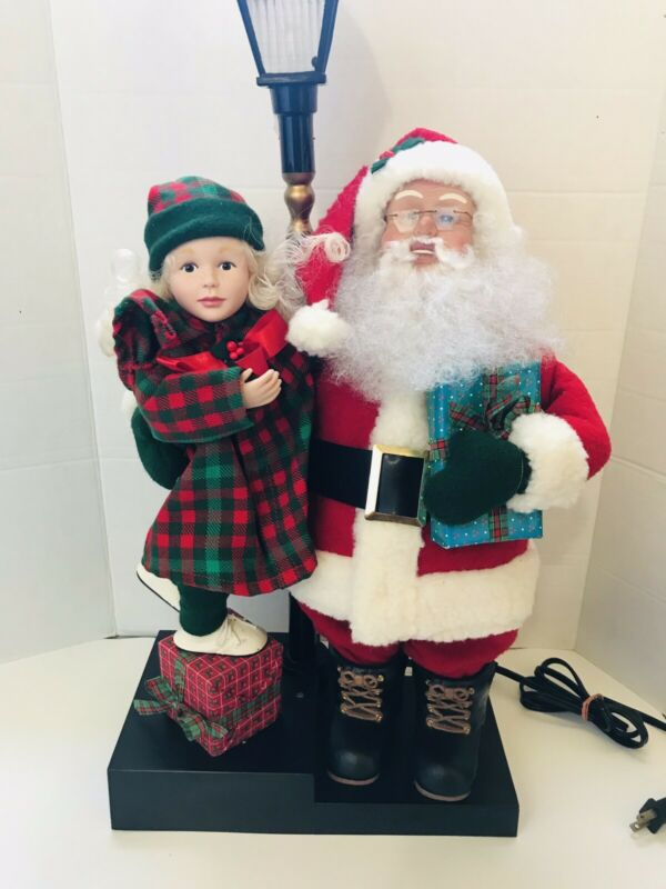 "28"" Holiday Creations Santa Claus w Girl Child Animated Lighted Lamp Post 1993"
