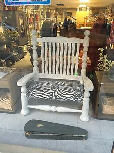 Love seat/bench