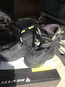 Salomon Top-level Boots Only Worn ONCE Half price. Men Size 8.5 Maidstone Maribyrnong Area Preview