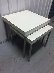 Tables gigognes IKEA blanches