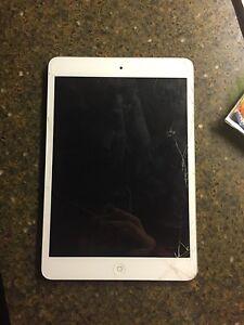 iPad mini 2 London Ontario image 1