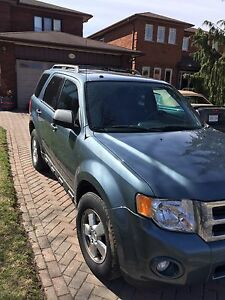 2012 Ford Escape. XTL  4 door dual hatch