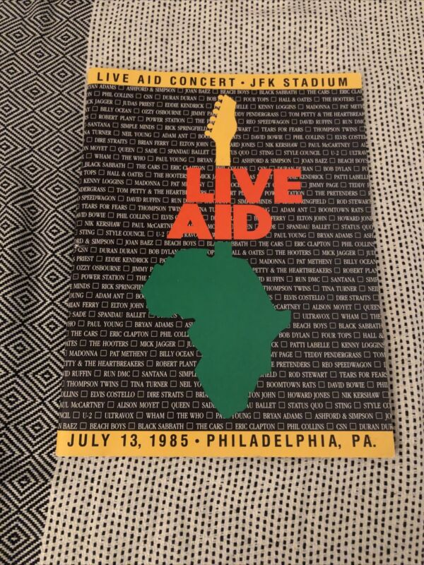 LIVE AID 1985 Concert Program Book MADONNA BOB DYLAN JIMMY PAGE DURAN DURAN