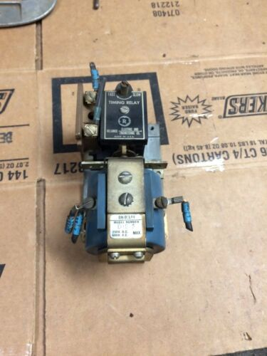 Reliance Electric Timing Relay D1E-D with Clark TB-137-13 Coil