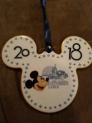 BRAND NEW 2018 Walt Disney World Mickey Mouse Porcelain Christmas Ornament
