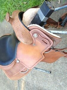 16 inch Western Saddle Strathdickie Whitsundays Area Preview