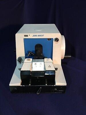 Reichert Jung Bio-cut 2035 Microtome