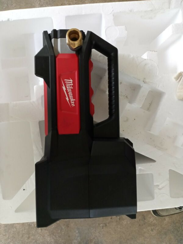 Milwaukee 2771-20 M18 Transfer Pump (Bare Tool Only)