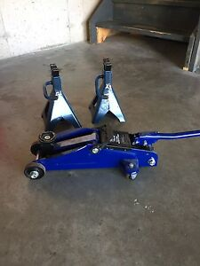 Certified 2 Ton jack & Certified jack stands