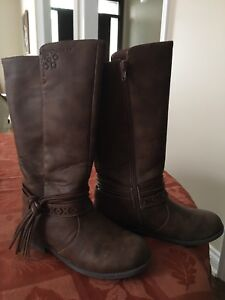 Girls Brown Boots Size 4