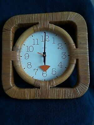 Vintage HOWARD MILLER Rattan Wall Clock 5201 ~ battery operated