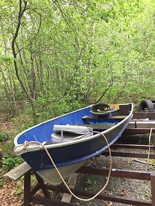 Looking to sell/trade for wider deeper hulled boat