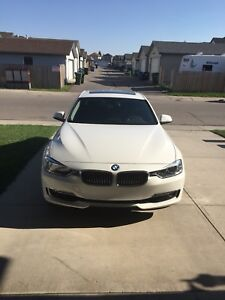 2013 BMW 3 - series 328i xDrive Luxury Line