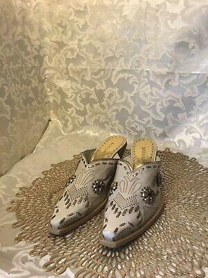 Womens 6.5M bcbg BCBGirls Western Shoes Cowboy Boots Mules Ivory Gold Slip-On, used for sale  Silver Spring