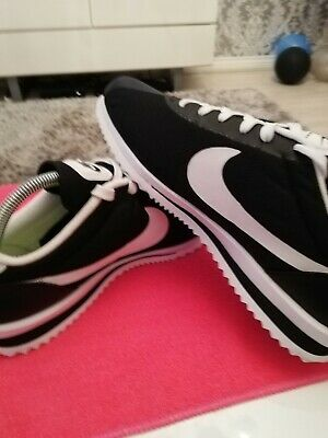 Nike cortez Ultra Uk8 Black/white (relisted)