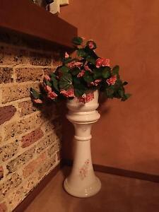 Decorative Ceramic Pedestal with Flower Arrangement Londonderry Penrith Area Preview