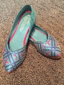 Toms shoes and wedge