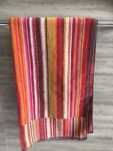 Missoni Bath Towel and Hand Towel Northbridge Willoughby Area Preview