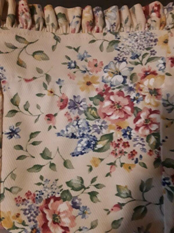 Longaberger Tall Tissue Basket Spring Floral Liner