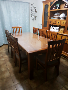 8 seater dinning table hardly used Emu Plains Penrith Area Preview