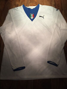 Chandail Puma Italy size Large comme neuf jersey.