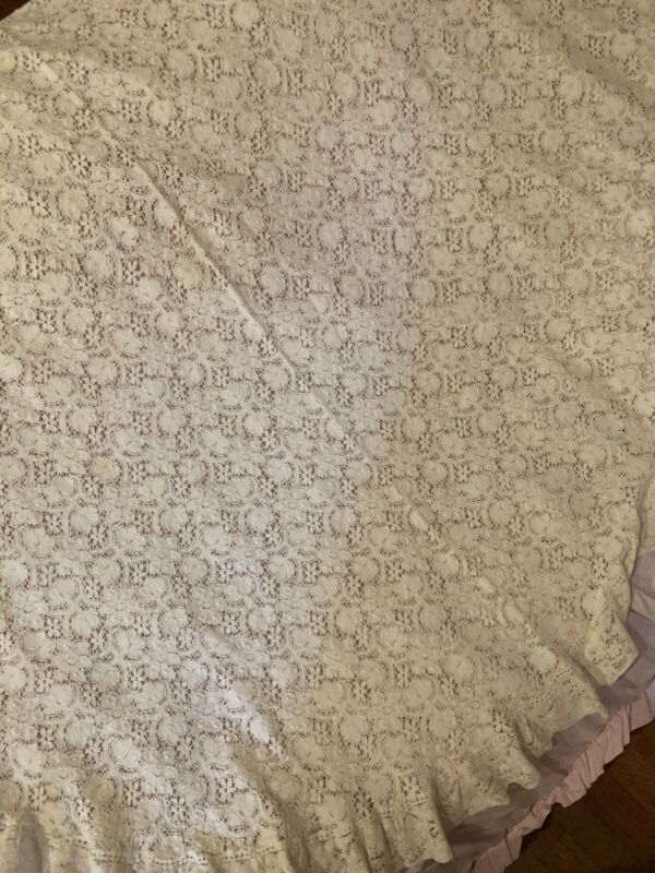 Similar To Rachel Ashwell * Original Cluny Cotswald Lace Ruffled Tablecloth